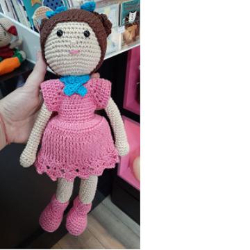 Boneca em Amigurumi