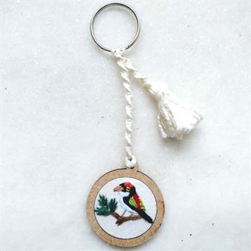 Tangarazinho- chaveiro Pássaros Caparaó bordado e macramê